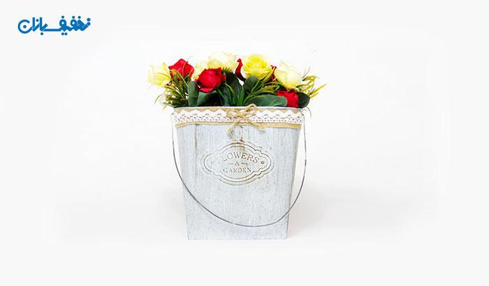 گلدان دیواری فلزی همراه با گل مصنوعی با ۳۶% تخفیف و |